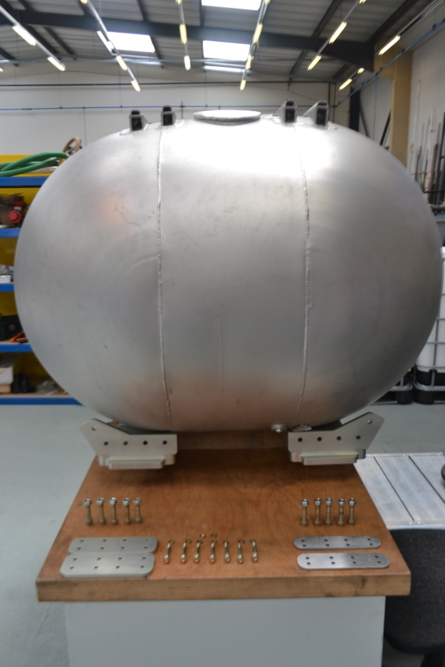 High Test Peroxide rocket fuel tank, with a capacity of 1000 litres, made by ABC Stainless Ltd. The whole lot will be empty in about 17 seconds for each run.